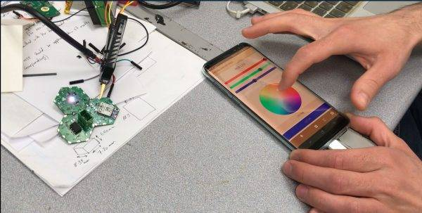 Controlling Hexabitz modules from a smartphone app via Bluetooth.